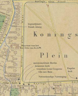 2) Koningsplein, 'Kadastrale overzichtskaart der afdeeling Batavia, 1874-6', Algemeen Rijksarchief Den Haag (uitsnede; pijlen met bijbehorende teksten toegevoegd)